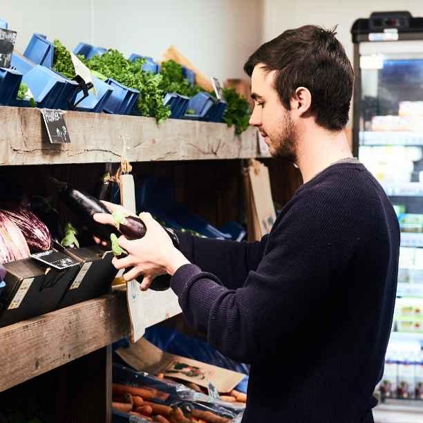 Färm: coöperatieve biowinkels van klanten en producenten