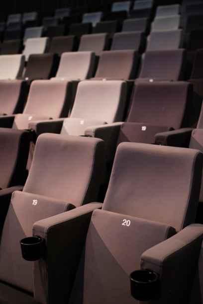 Le cinéma de quartier rejoue son rôle social